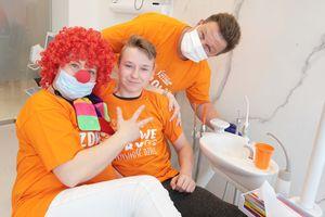 """Fundacja """"Przyszłość dla dzieci"""" z kliniką Alfa-Dental zaprosiły dzieci na fotel dentystyczny [ZDJĘCIA]"""