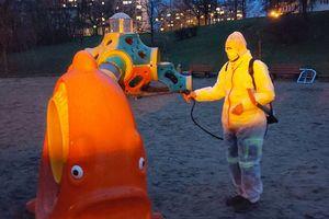 Dezynfekcja miejskich placów zabaw w Olsztynie