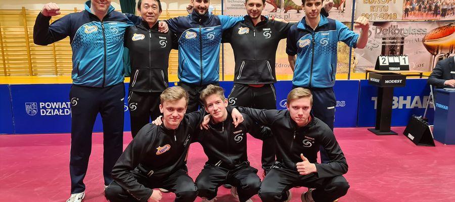 Dekorglass Działdowo po raz trzeci w historii awansował do finału Superligi. Pierwszy z lewej stoi bohater rewanżu z Jarosławiem, Jirzi Vrablik