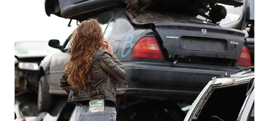 """Jak już jego auto będzie skasowane to podejdę i podpiszę się """"K"""" na masce"""