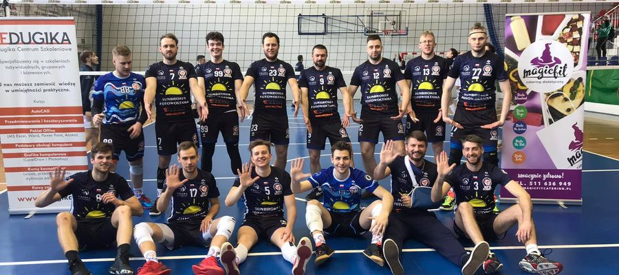 Siatkarze Sunbrokera KPS Gietrzwałd świętują historyczny awans do II ligi