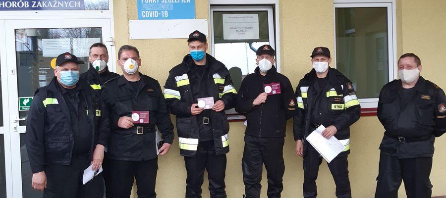 Pierwsi strażacy już zostali zaszczepieni w Ostródzie preparatem AstraZeneca