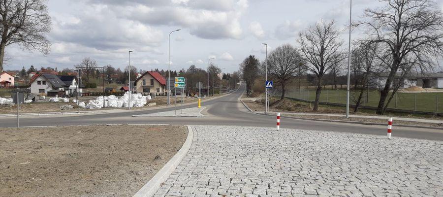 Rondo na modernizowanym odcinku DW512