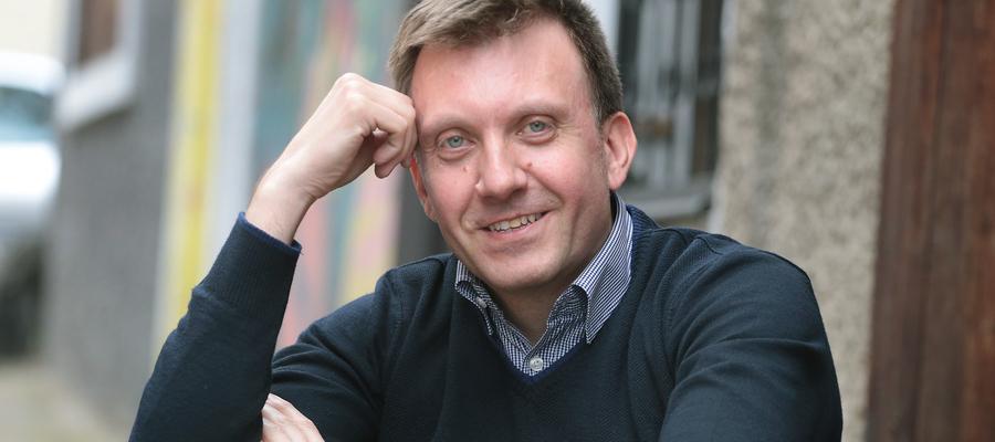 Krzysztof Dąbkowski jest optymistą. To między innymi zasługa dobrej literatury.