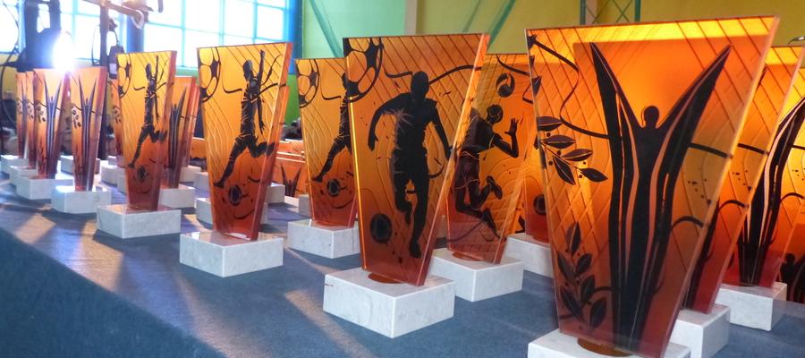 Statuetki rozdawane na Gminnej Gali Sportu 2020. W tym roku z powodu pandemii niestety do Gali nie doszło