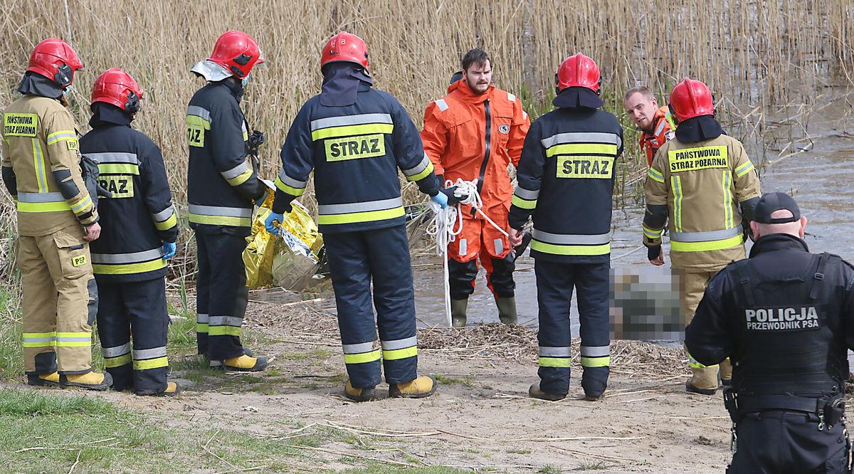 Strażacy wyłowili z jeziora Klebarskiego zwłoki