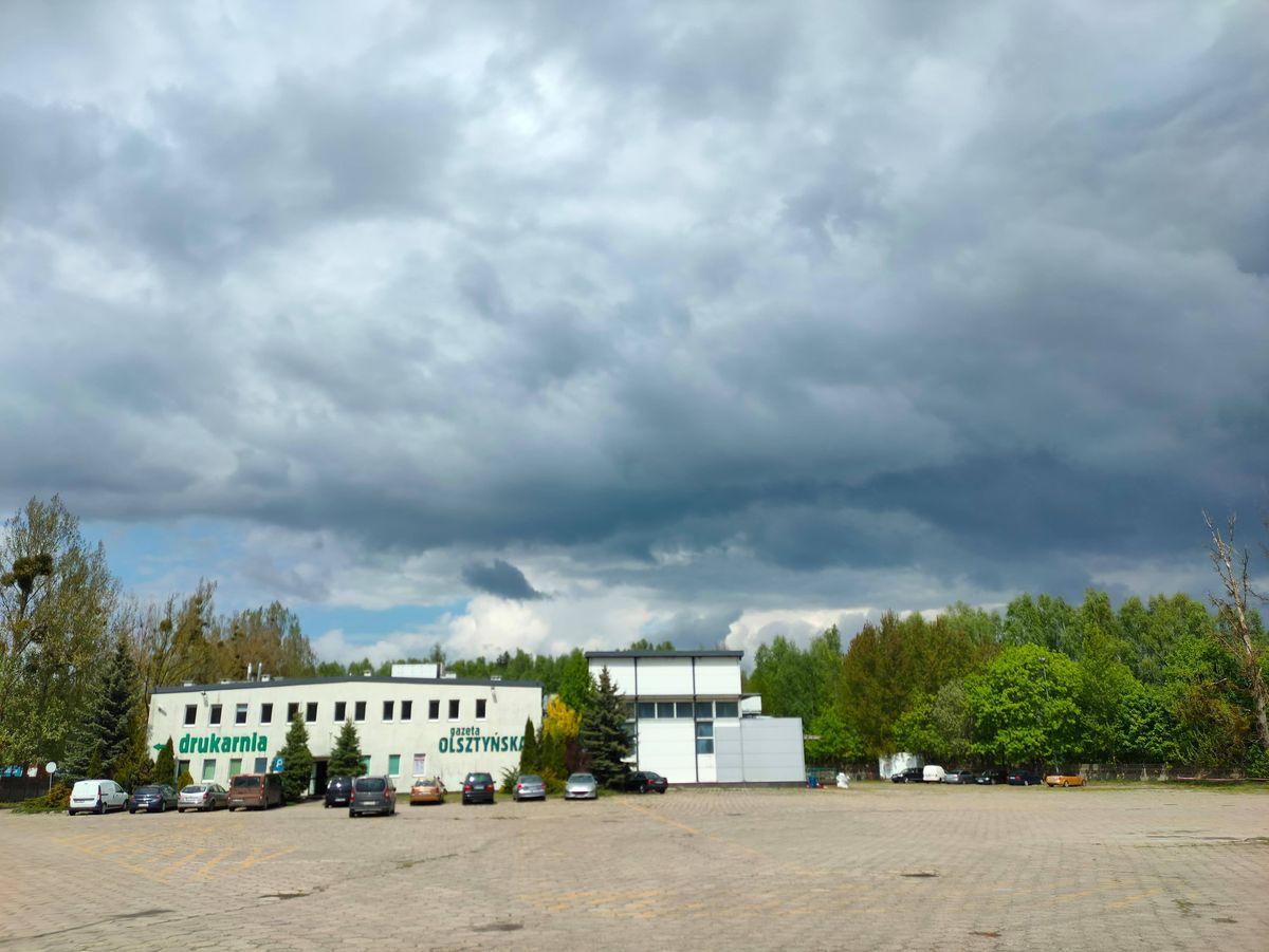 Burzowe chmury na drukarnią
