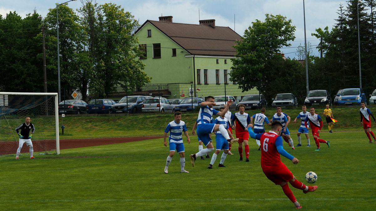 Cresovia vs Orlęta, chwila przed pierwszą bramką meczu.