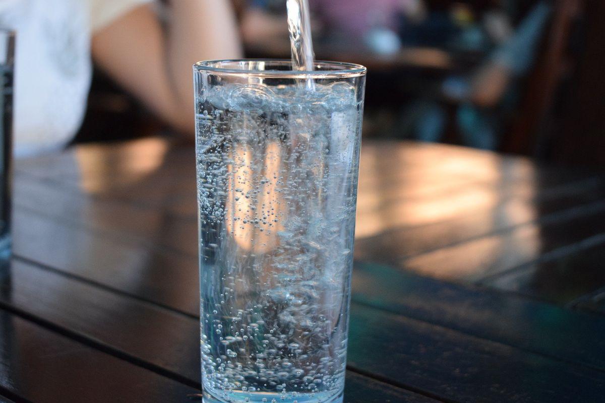 W Olsztynie jakość wody z kranu jest bardzo wysoka. Chcąc nadać jej jeszcze lepsze właściwości, warto sięgnąć po urządzenia do strukturyzacji wody.
