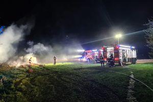 Paliło się siano na terenie szkoły