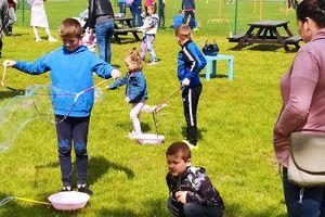 Piłkarska Tęcza zorganizowała Dzień Dziecka na boisku