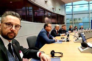 Marcin Kulasek rozmawiał z komisarz Elisą Ferreira. O czym? [ROZMOWA]