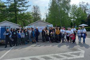 Dzieci, młodzież i seniorzy sprzątają Mazury!