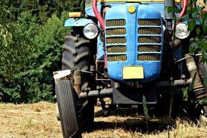 """Traktorzysta na """"podwójnym gazie"""". Miał prawie 2,5 promila"""