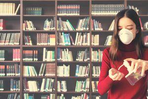 Biblioteka zaprasza między regały. Wolny dostęp do półek przywrócony