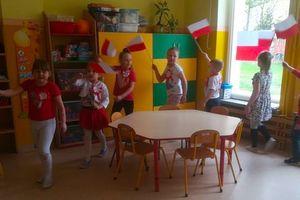 O biało - czerwonej fladze w Przedszkolu Miejskim