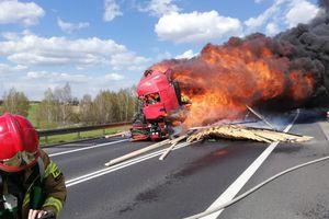 Uwaga kierowcy! Pożar ciężarówki na DK16