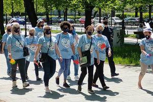 Zamiast świętowania — protest. Pielęgniarki i położne walczą o godne warunki pracy