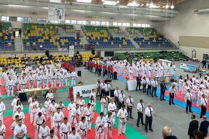 Karatecy wrócili z trzema medalami