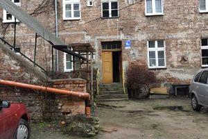 9,5 metra od cywilizacji. Historia pewnej kamienicy w Olsztynie