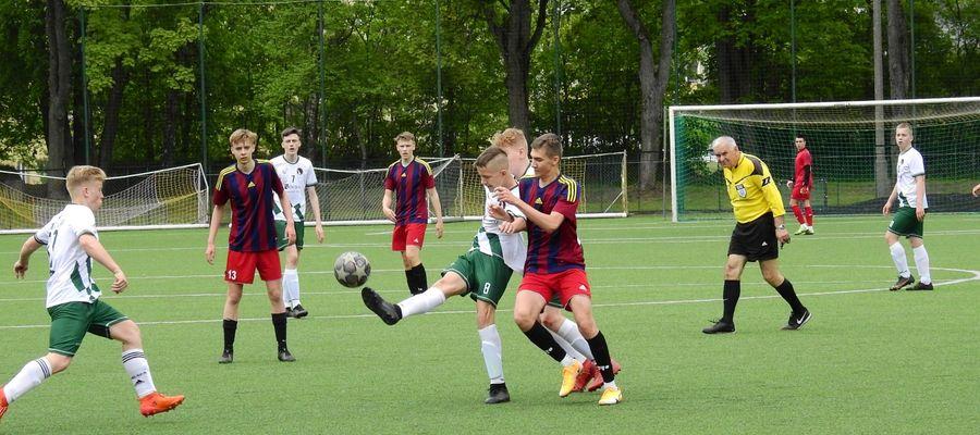 Juniorzy młodsi Czarnych Olecko w meczu z Romintą Gołdap
