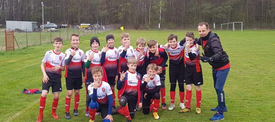 Zespół orlików  AP Ostróda, grający w I lidze wojewódzkiej młodzików, wygrał z Polonią Iłowo