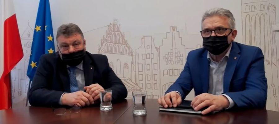 Na pytania elblążan odpowiadali Witold Wróblewski i Janusz Nowak