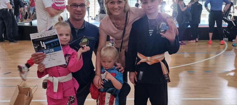 Filip i Emilia medalistami mistrzostw Polski w BJJ