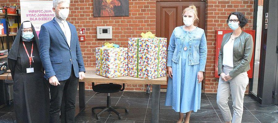 Do hospicjum dla ciężko chorych dzieci trafiły zabawki