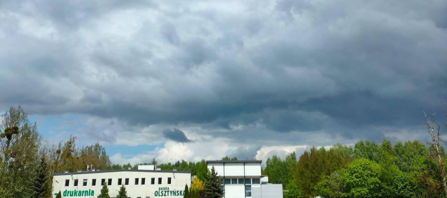"""Burzowe chmury na drukarnią """"Gazety Olsztyńskiej"""""""