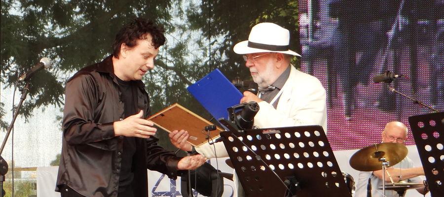 Mirosław Deredas na scenie Złotej Tarki
