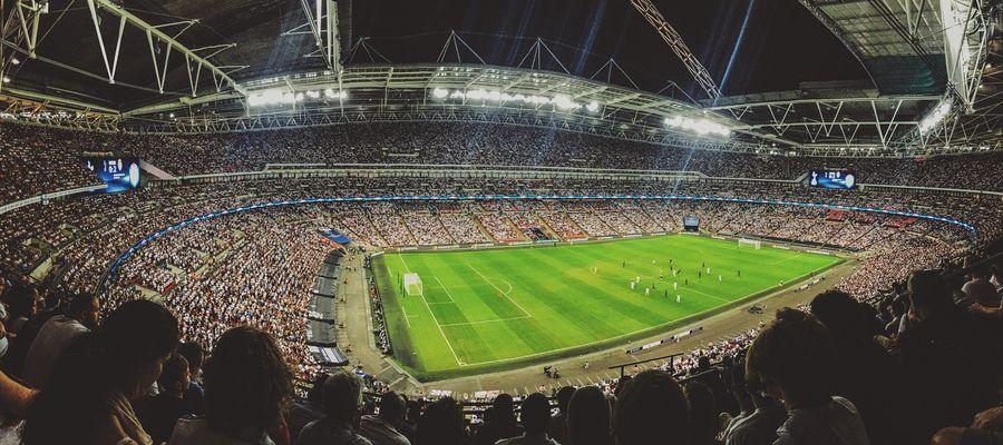 Finał Ligi Europy w Gdańsku pomiędzy Villarreal CF a Manchesterem United to jeden z najważniejszych meczów w sezonie. Sprawdź gdzie i kiedy oglądać transmisję!