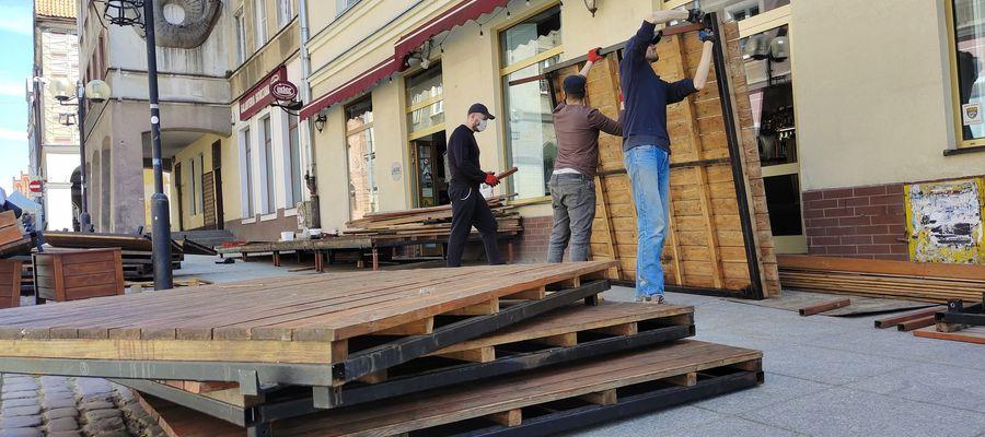 Olsztyńscy restauratorzy przygotowują ogródki do otwarcia