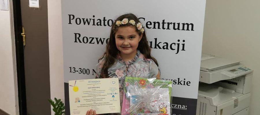 Julia Dekarska, Szkoła Podstawowa nr 1 w Nowym Mieście, jedna z laureatek konkursu