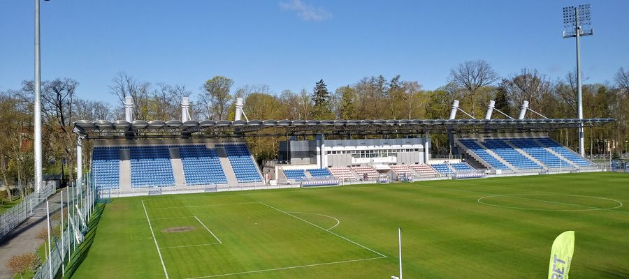 Kibice na meczach Sokoła będą mogli zasiąść tylko na trybunie krytej stadionu miejskiego