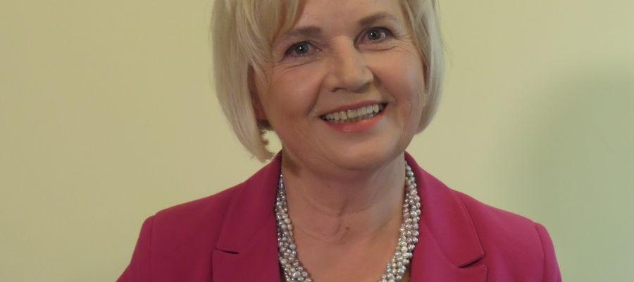 Kandydaturę 60-letniej senator z Olsztyna, która z zawodu jest inżynierem budownictwa, wysunęło Prawo i Sprawiedliwość