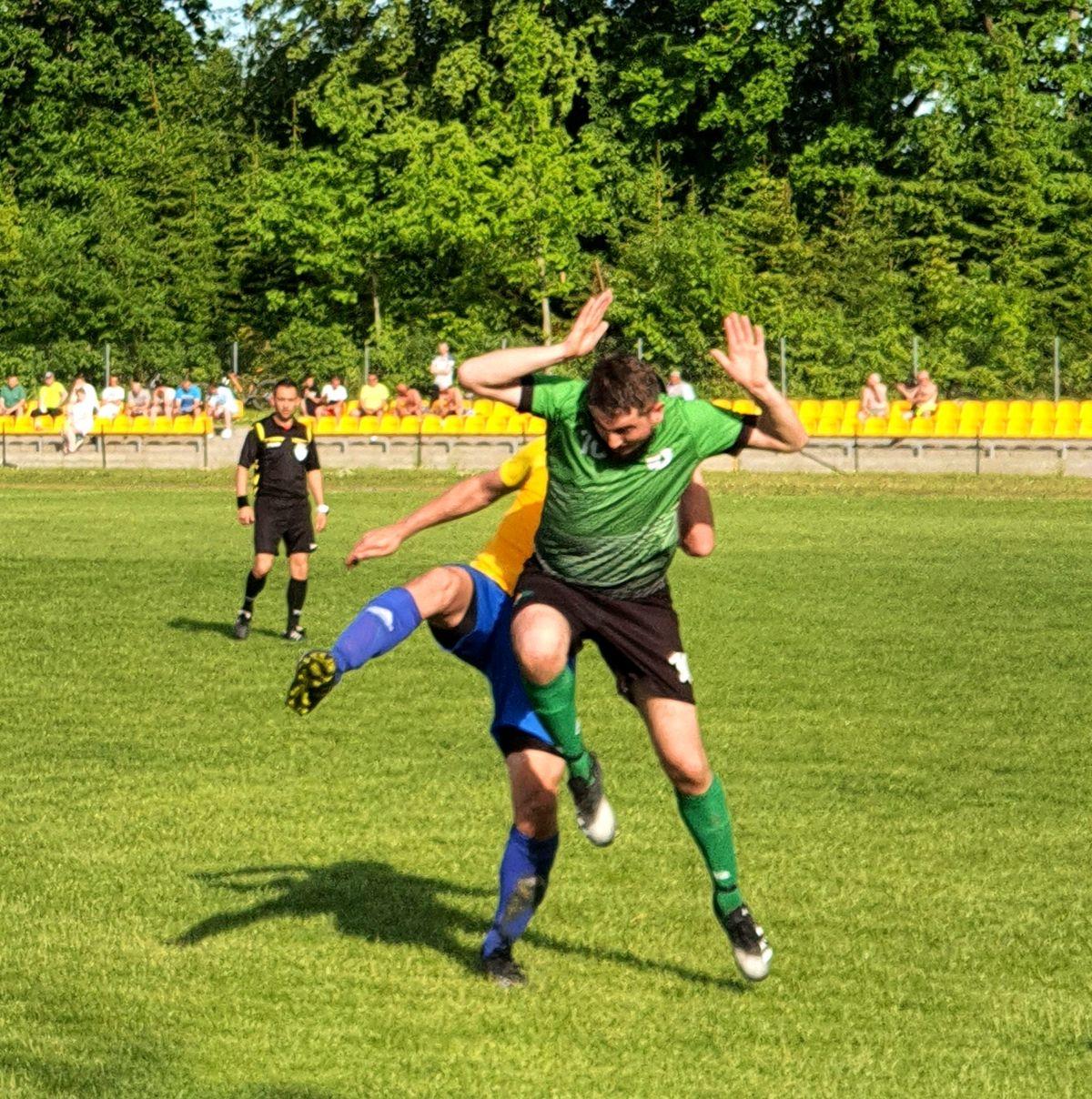W meczu  KS Wojciechy vs KS Leśnik Nowe Ramuk było dużo walki.
