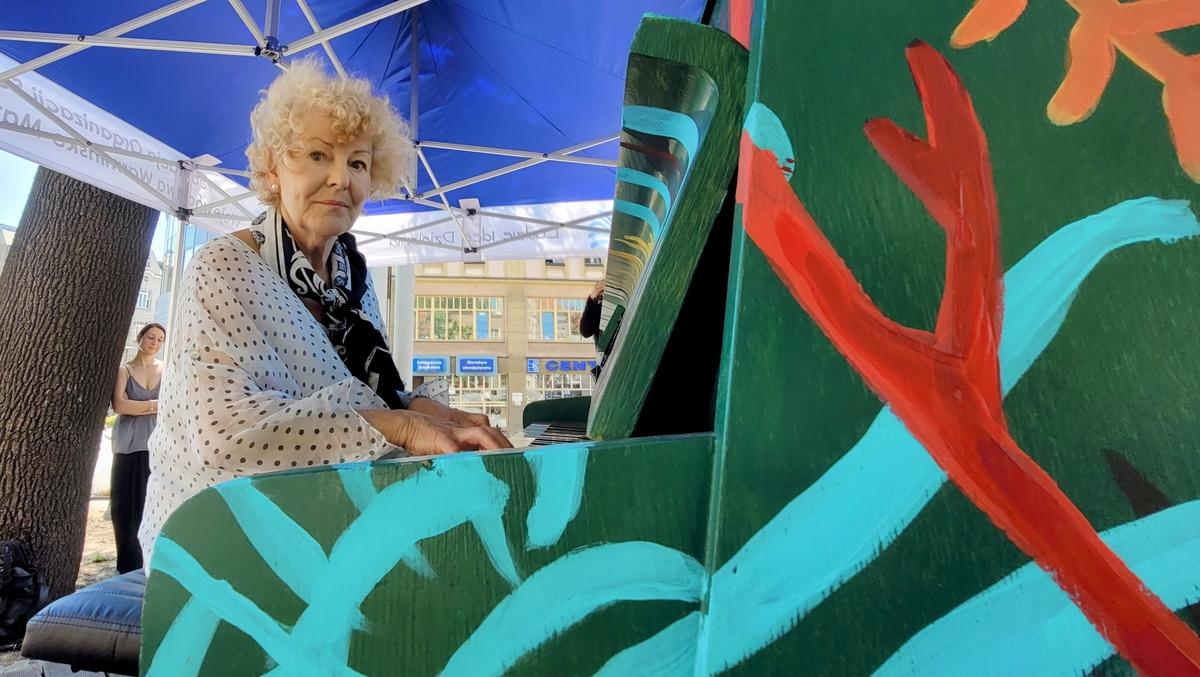 Maja Sznirling, emerytowana nauczycielka muzyk