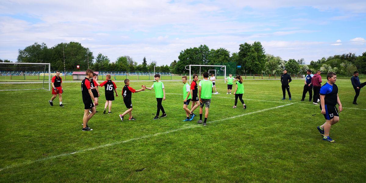 Na boisku panowała przyjazna atmosfera i zasady fair play