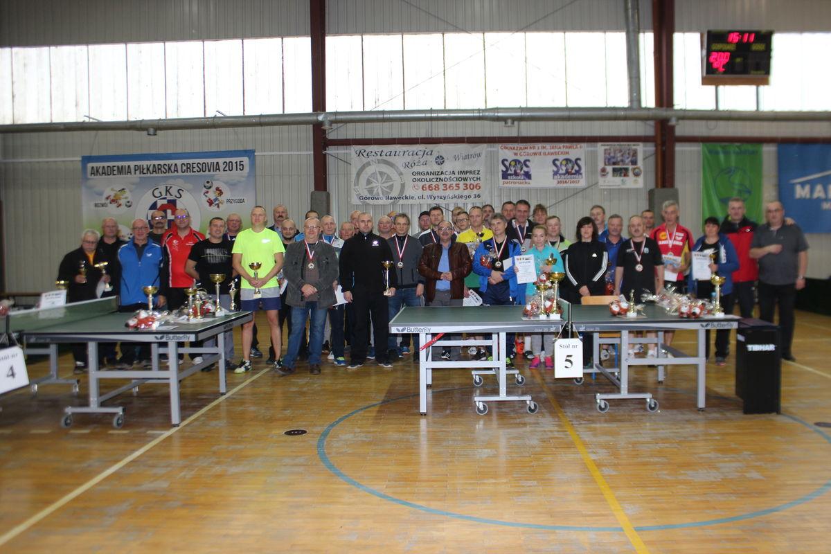 Uczestnicy Grand Prix Górowa Iławeckiego w tenisie stołowym