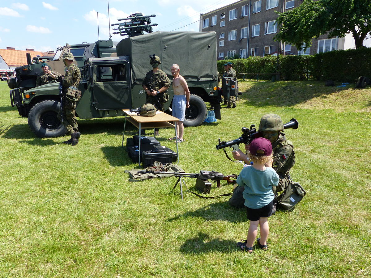 wojsko na Dniu Seniora i Weterana prezentowało sprzęt