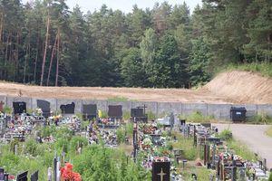 Cmentarz przy Poprzecznej w Olsztynie cały czas się powiększa [ZDJĘCIA]