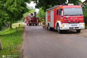 Sprzątanie po burzy, strażacy w akcji