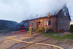 Tragedia w gminie Barciany. Dwie osoby zginęły w płomieniach [ZDJĘCIA]