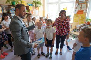 Znany piłkarz i europoseł trenował nowe pokolenie piłkarzy w Bartoszycach.