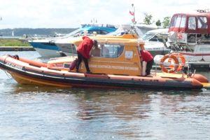 Wywrotka jachtu w pobliżu Dębowej Górki na jeziorze Kisajno koło Giżycka