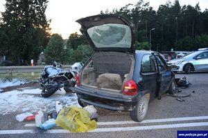 Groźny wypadek, nieprzytomny motocyklista trafił do szpitala