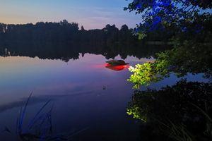 Warszawiak wjechał do jeziora w gminie Olsztynek. Cudem uniknął śmierci