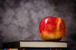 Darmowe mleko i owoce znikną ze szkoły?