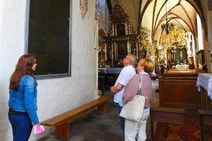 Zwiedzanie nowomiejskiej bazyliki z przewodnikiem przez całe wakacje